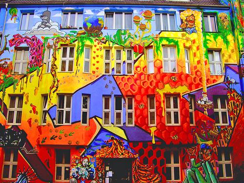 Graffiti art Dusseldorf Germany Mature Adult Dentist in Pleasanton. Pleasanton dentist Craig Sjoberg ...