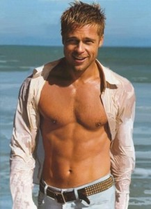 Brad-Pitt-Seaside-Shirtless
