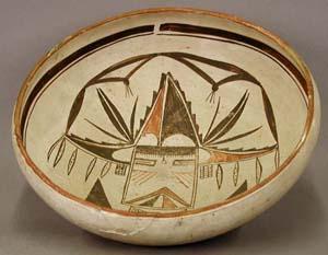 Pottery by Nampeyo. Image courtesy of the Peabody Museum, Harvard University.